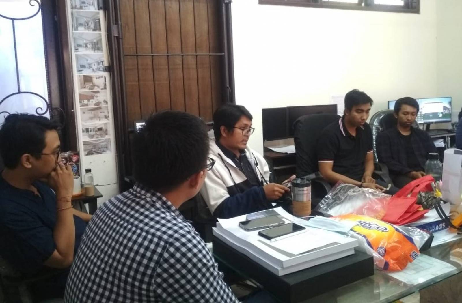 The Principal Meeting of Architect's Team at Emporio Architect Bali Office 5
