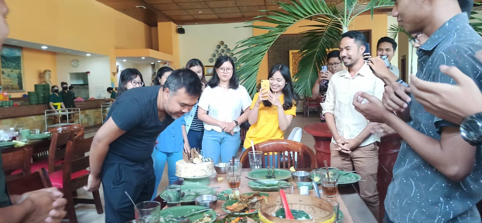An Unpretentious Birthday Celebration of Emporio Architect's Owner at Ikan Bakar Cianjur - Renon 7