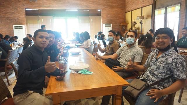 Acara Makan Bersama Tim Emporio Architect Bali di Bale Udang Restoran