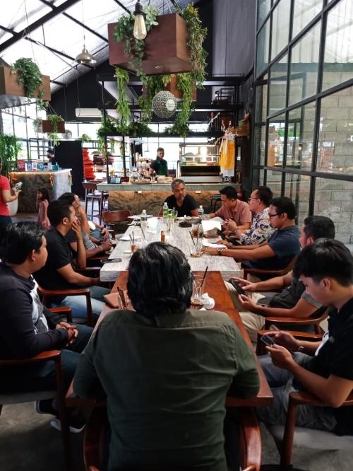 Acara Meeting Divisi Emporio Architect