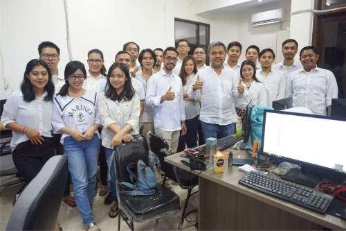 Foto Bersama Team Emporio Architect Bali Sebelum Work From Home Karena Pandemi Virus COVID-19