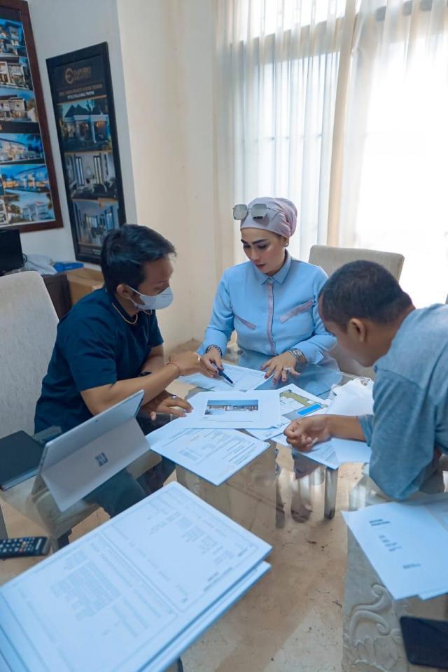 Meeting Tim Emporio Architect dengan Klien Ibu Eva di Unggasan