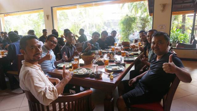 An Unpretentious Birthday Celebration of Emporio Architect's Owner at Ikan Bakar Cianjur - Renon