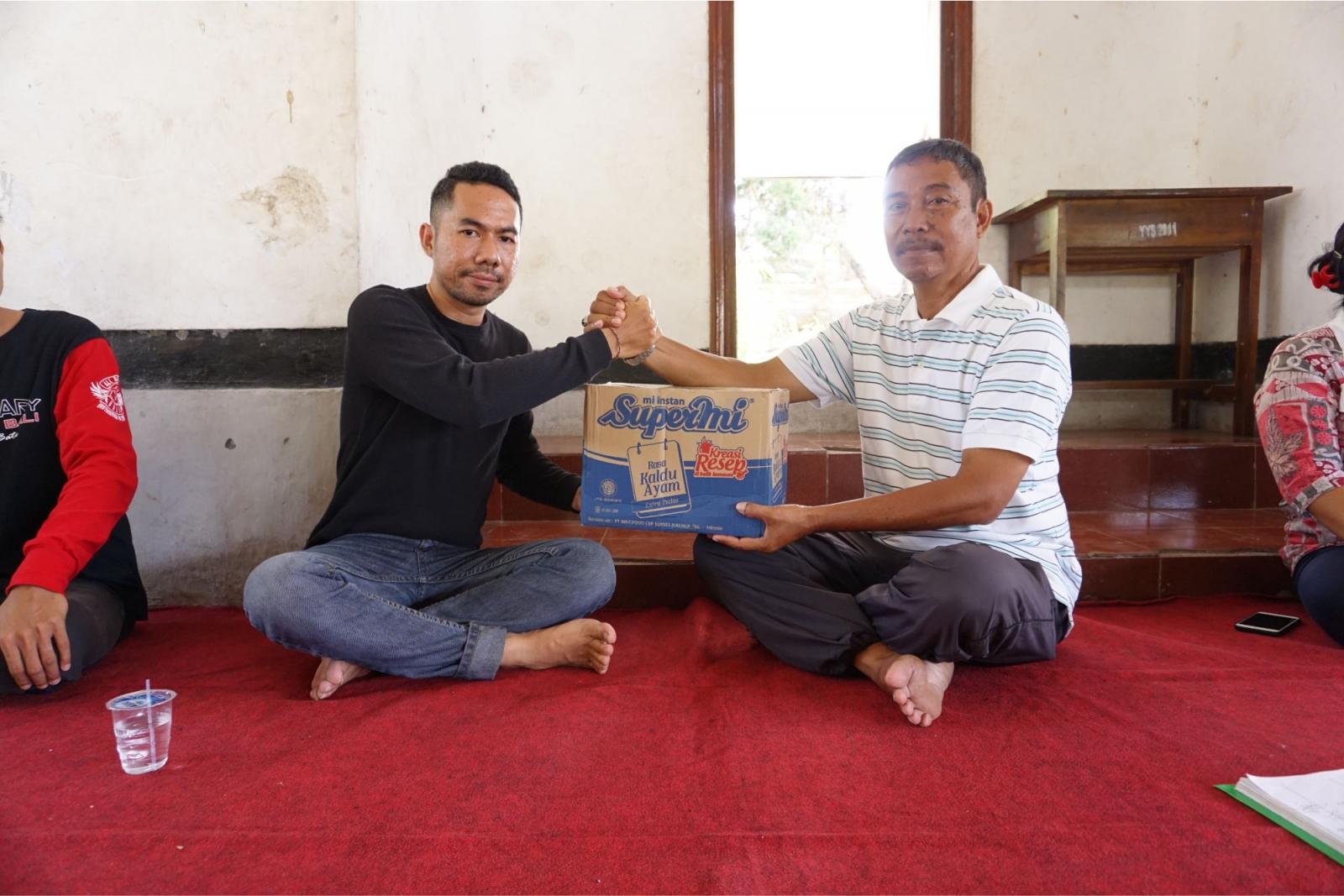 Bali Emporio Architect Team Conducts Charity Activities to Yasa Kerti Karangasem Orphanage Foundatio 5