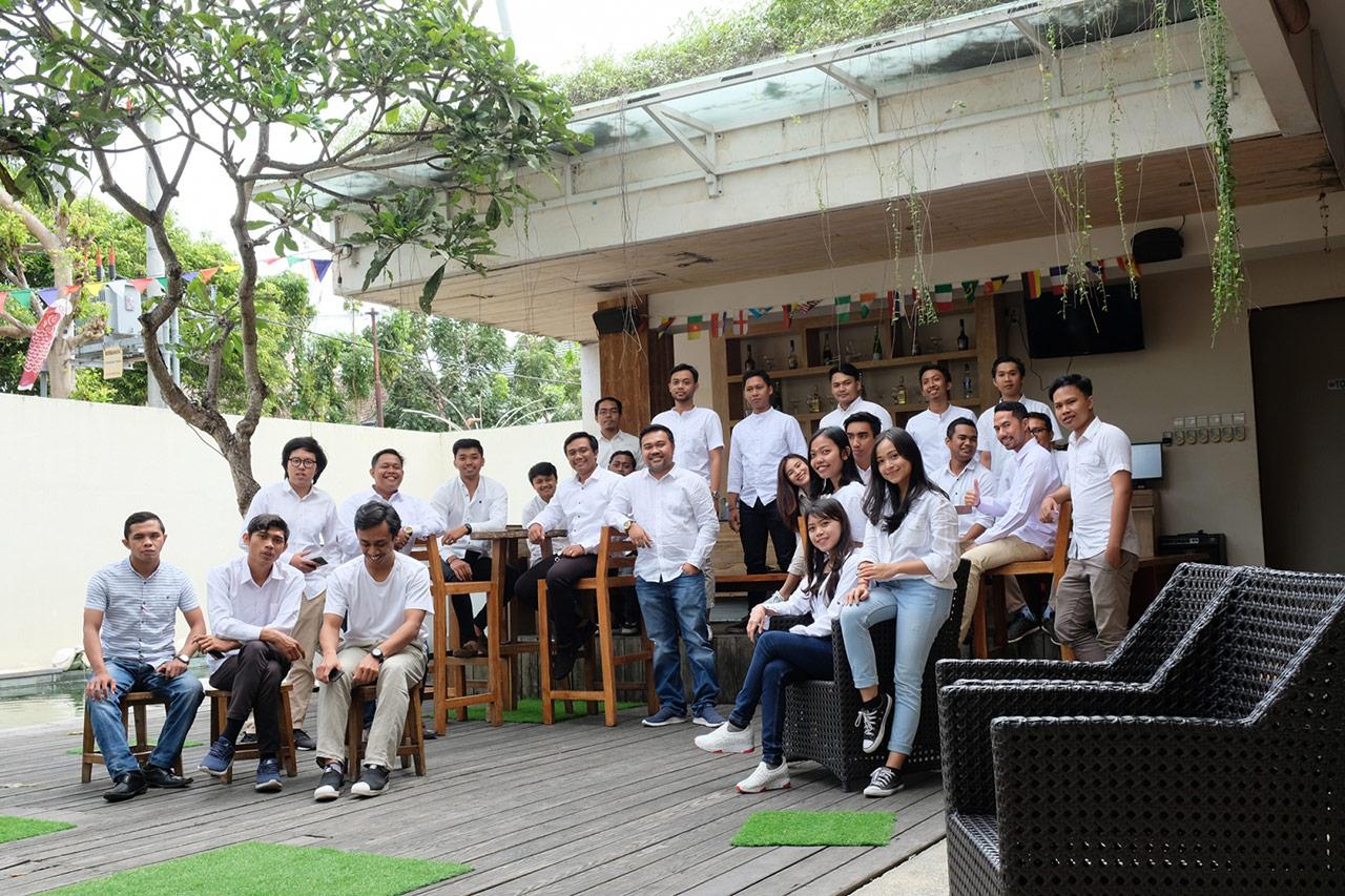 Bali Emporio Architect Team Performs Photo Together at Ayucious, Denpasar 2