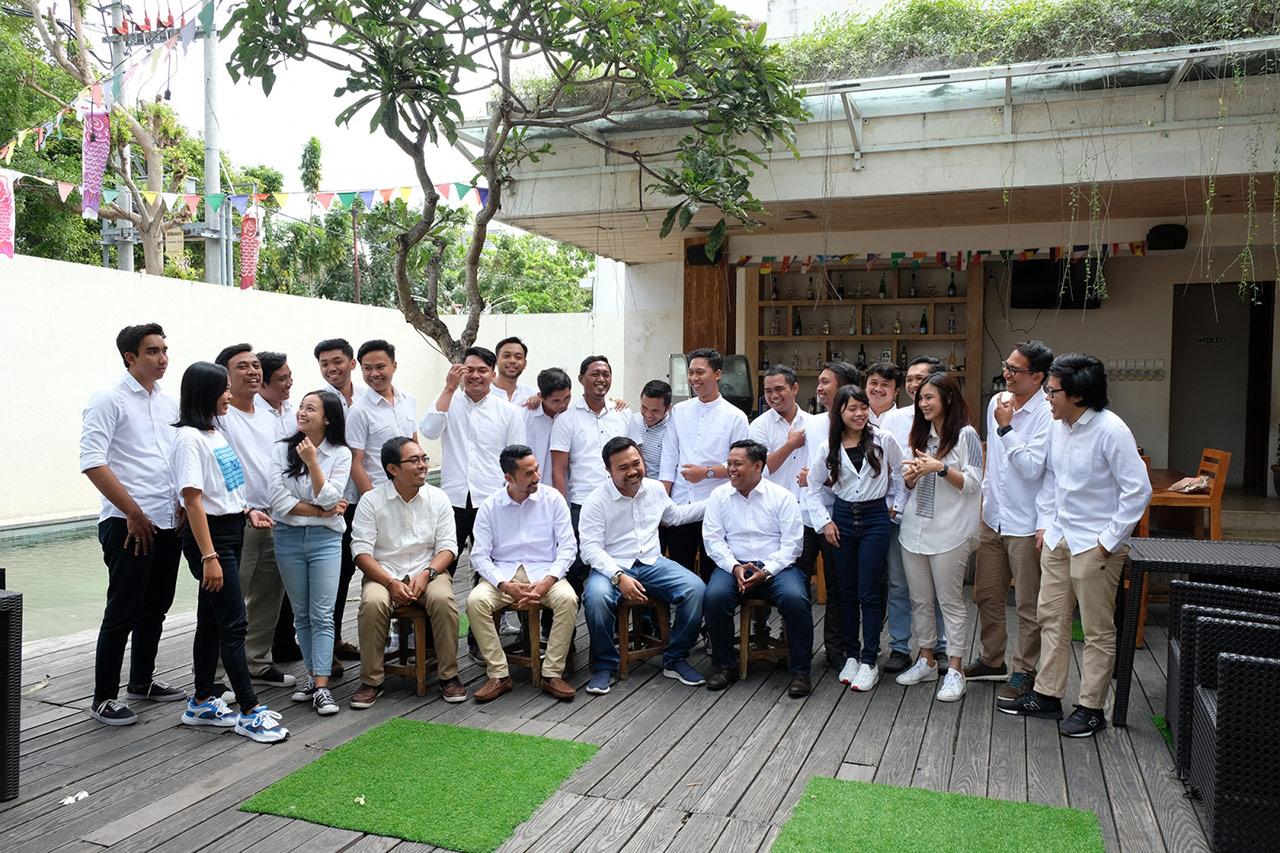 Bali Emporio Architect Team Performs Photo Together at Ayucious, Denpasar 3