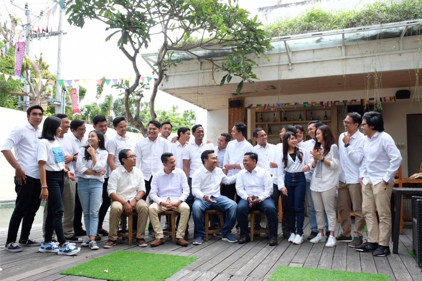 Bali Emporio Architect Team Performs Photo Together at Ayucious, Denpasar 7