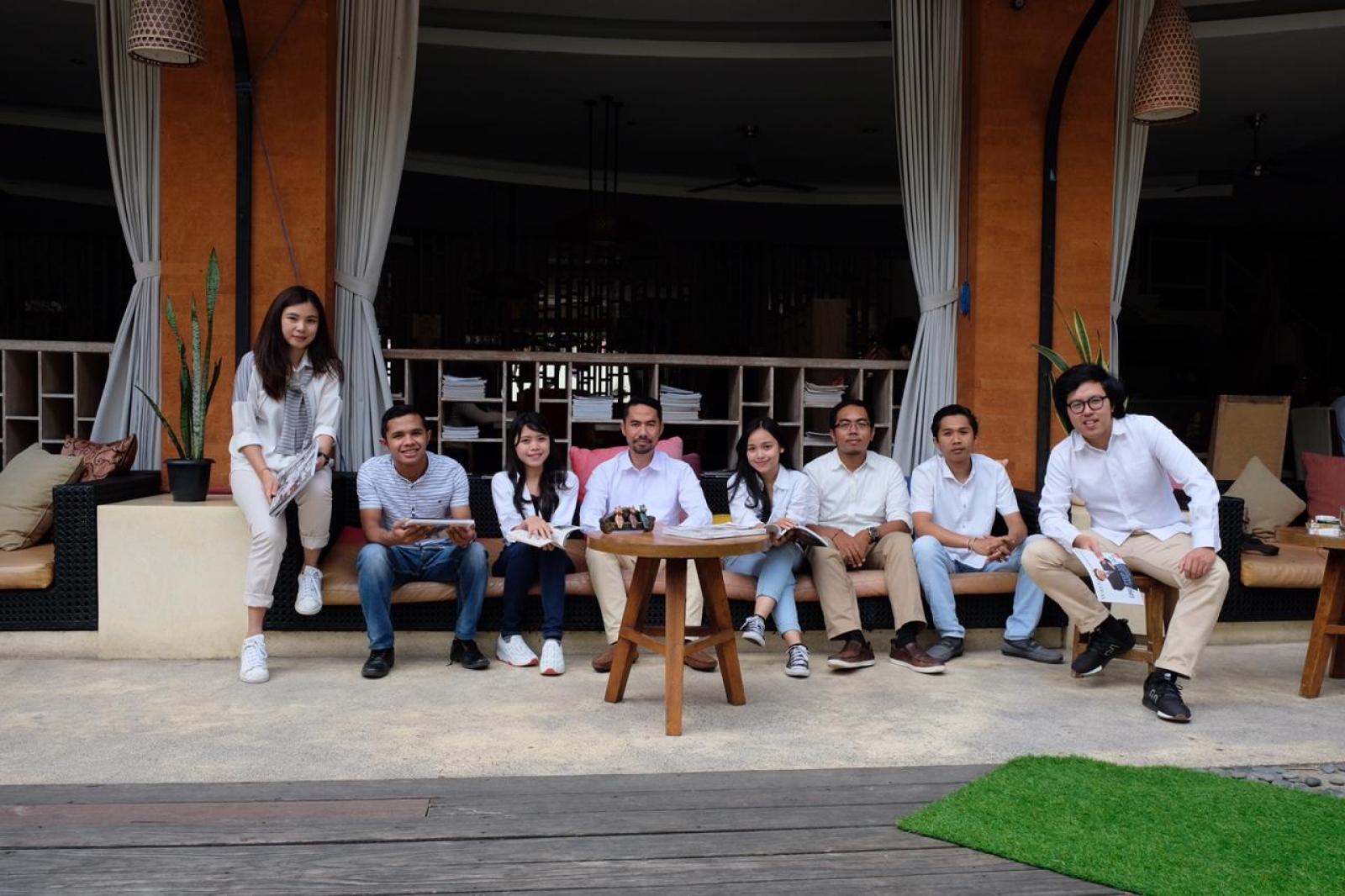 Bali Emporio Architect Team Performs Photo Together at Ayucious, Denpasar 12