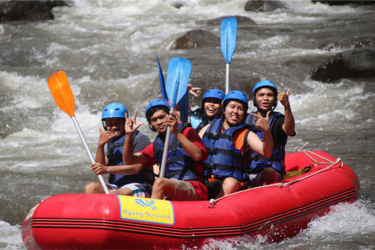 Bali Emporio Architect Team Performs Rafting Activities at Ayung Dewata Rafting 2