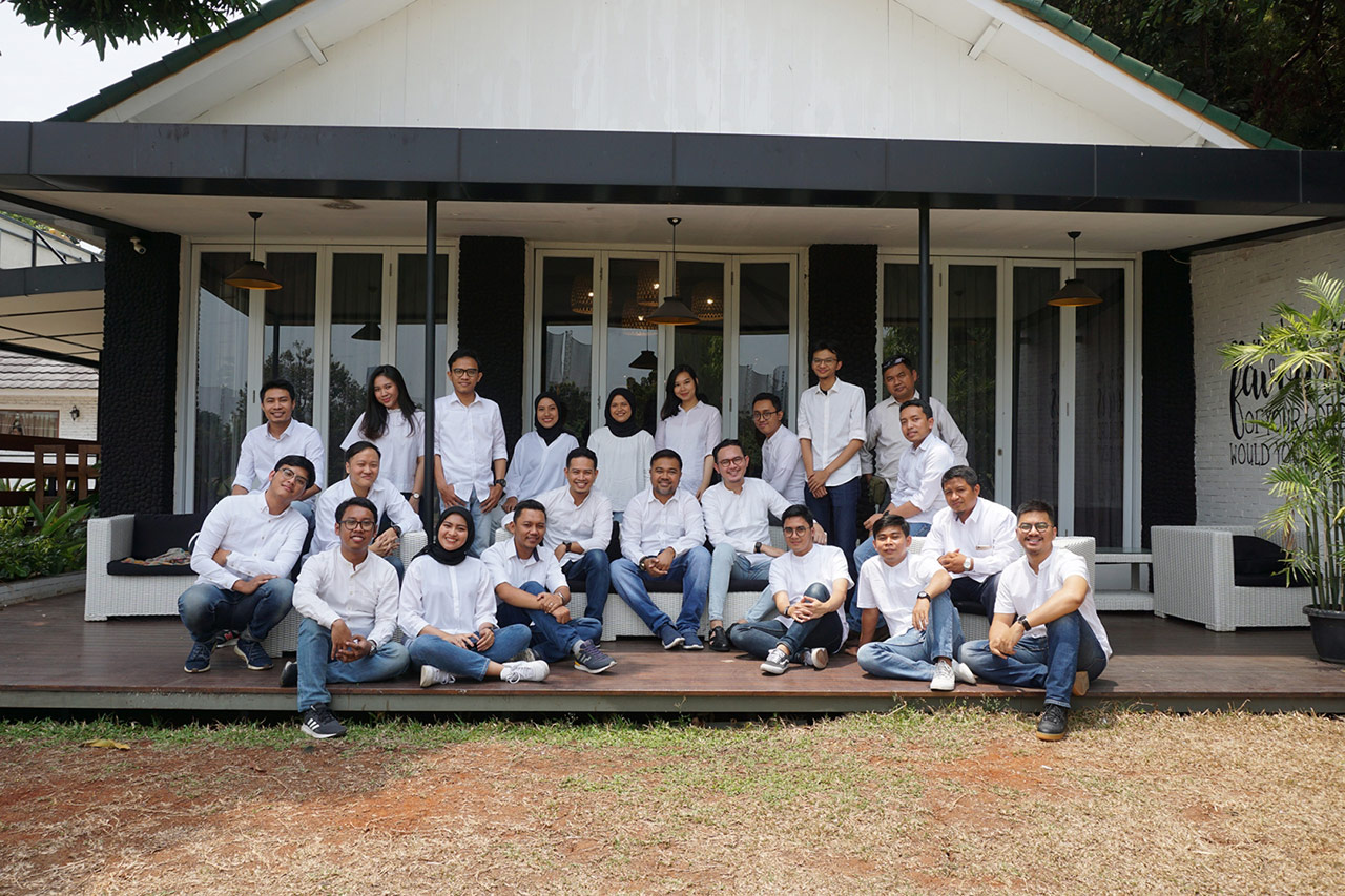 Jakarta Emporio Architect Team Taking a Photo Together 2