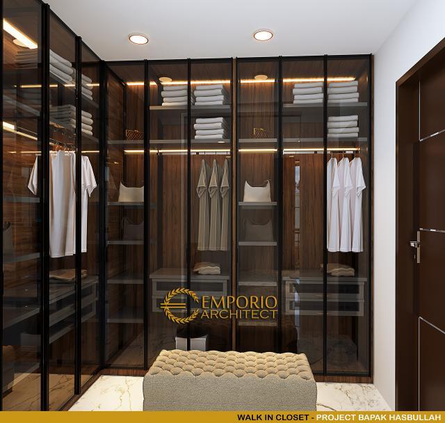 Desain Walk In Closet Rumah Klasik 2 Lantai Bapak Hasbullah di Jakarta