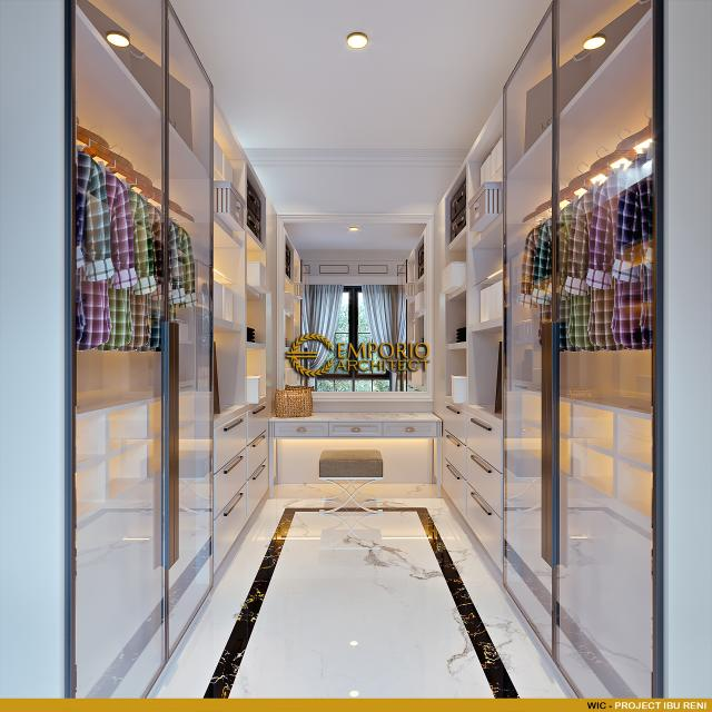 Desain Walk In Closet Rumah Klasik 3 Lantai Ibu Reni di Jakarta Barat